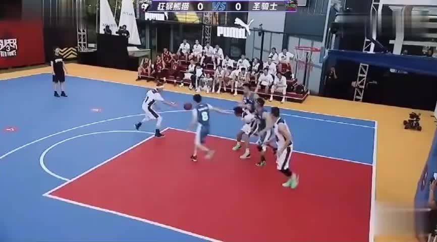 李晨打篮球太拼,一开场就被撞到眼角流血 ,队友刘耕宏满脸担心