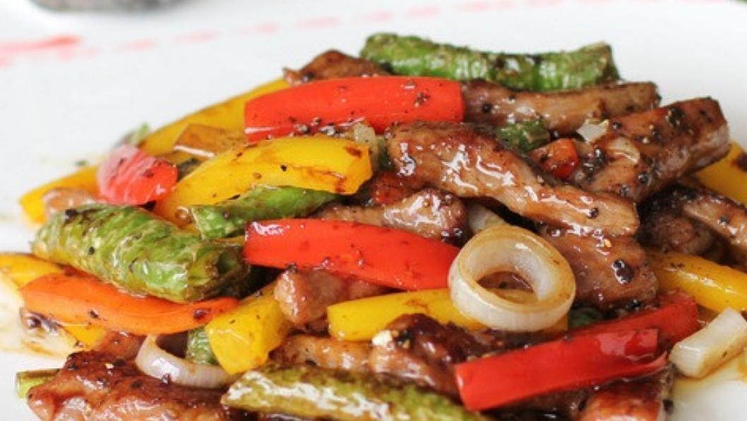 30年厨师长教你——黑椒牛柳的经典做法,牛肉嫩滑多汁!