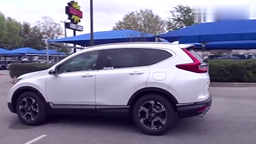 视频:2019款本田CR-V,打开车门看到中控台后,买不买自己拿主意