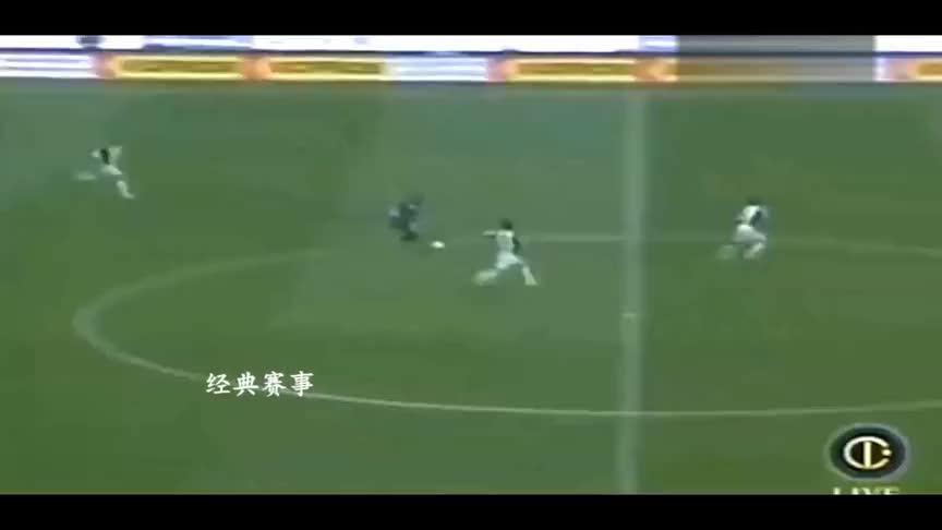 巅峰阿德里亚诺踢球太强悍,他被称为罗纳尔多的接班人!