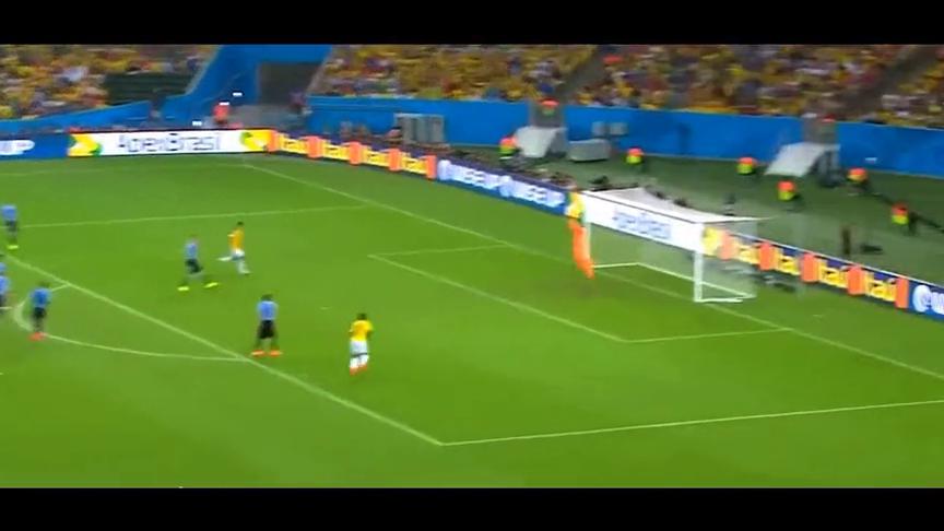 巴西世界杯最漂亮的两个进球,J罗超级凌空,范佩西飞身鱼跃