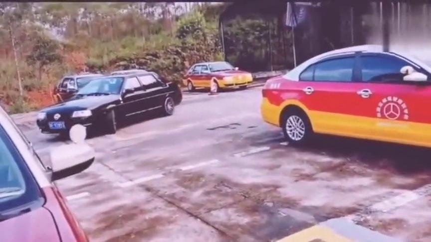 视频:八九十年代的桑塔纳,永恒的经典,当年的豪车!