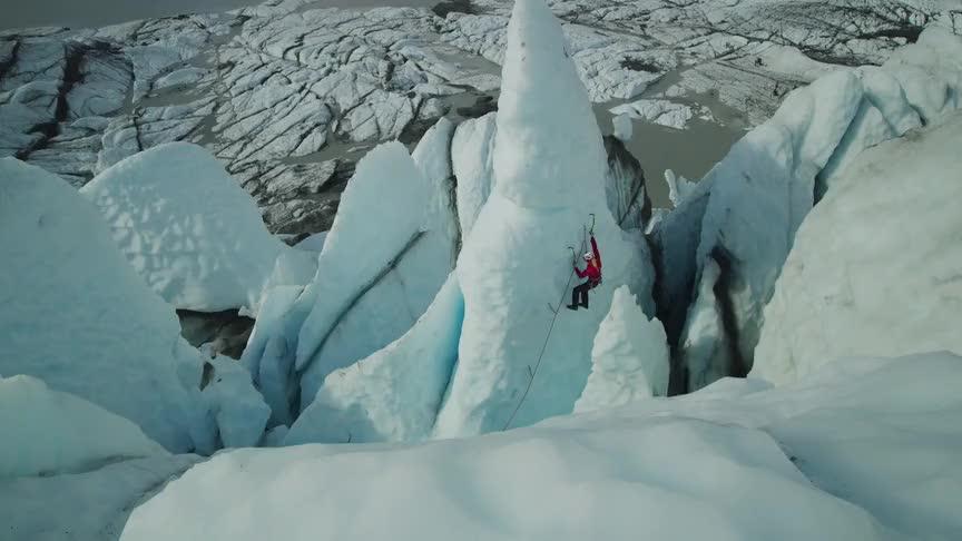4K画质,极度唯美,阿拉斯加攀冰
