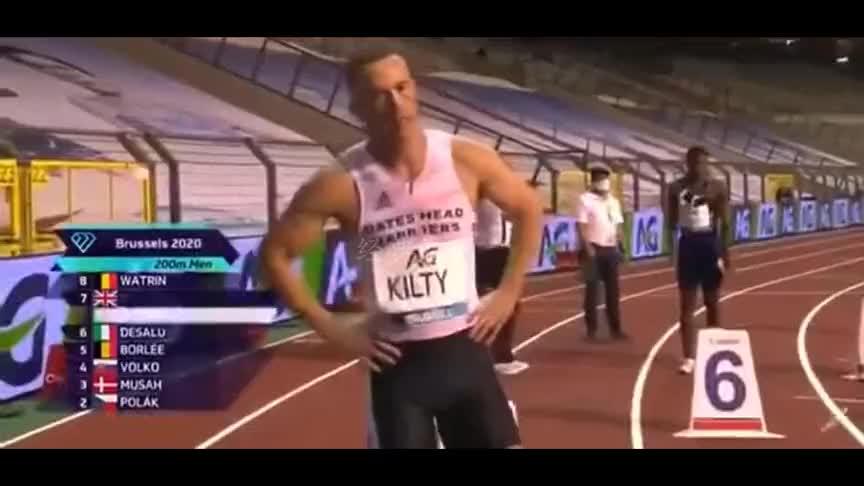 田径钻石联赛布鲁塞尔站男子200米决赛,意大利选手德萨卢夺冠