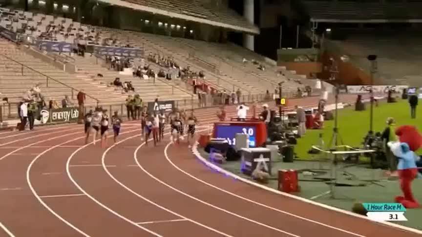 田径钻石联赛布鲁塞尔站,莫法拉创造了新的1小时跑世界纪录
