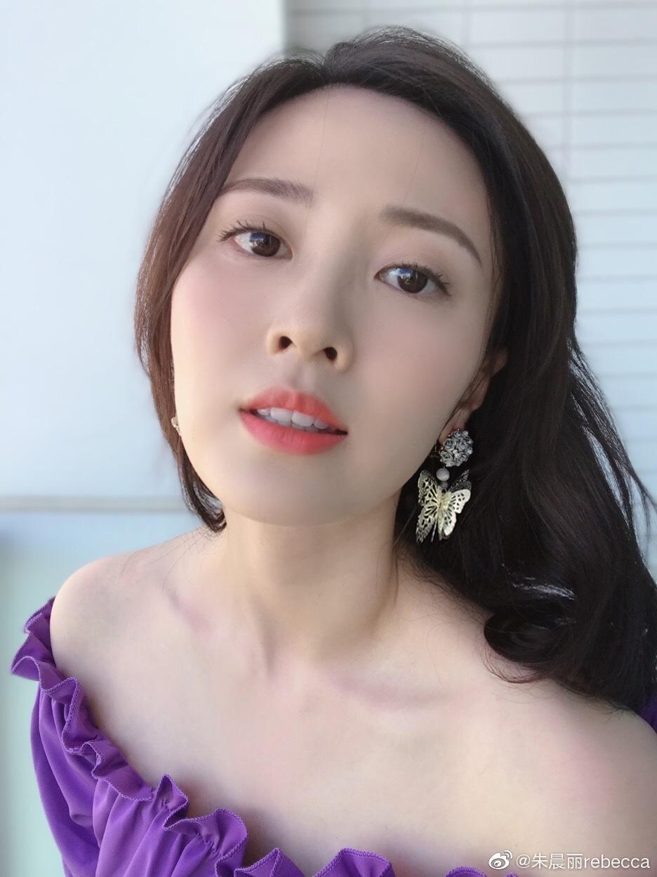 美女演员朱晨丽迷人写真美照好漂亮好喜欢