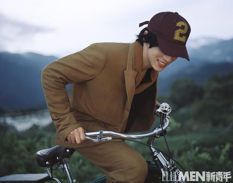 许魏洲《ELLEMEN新青年》封面 日系少年冲破次元展示多重魅力