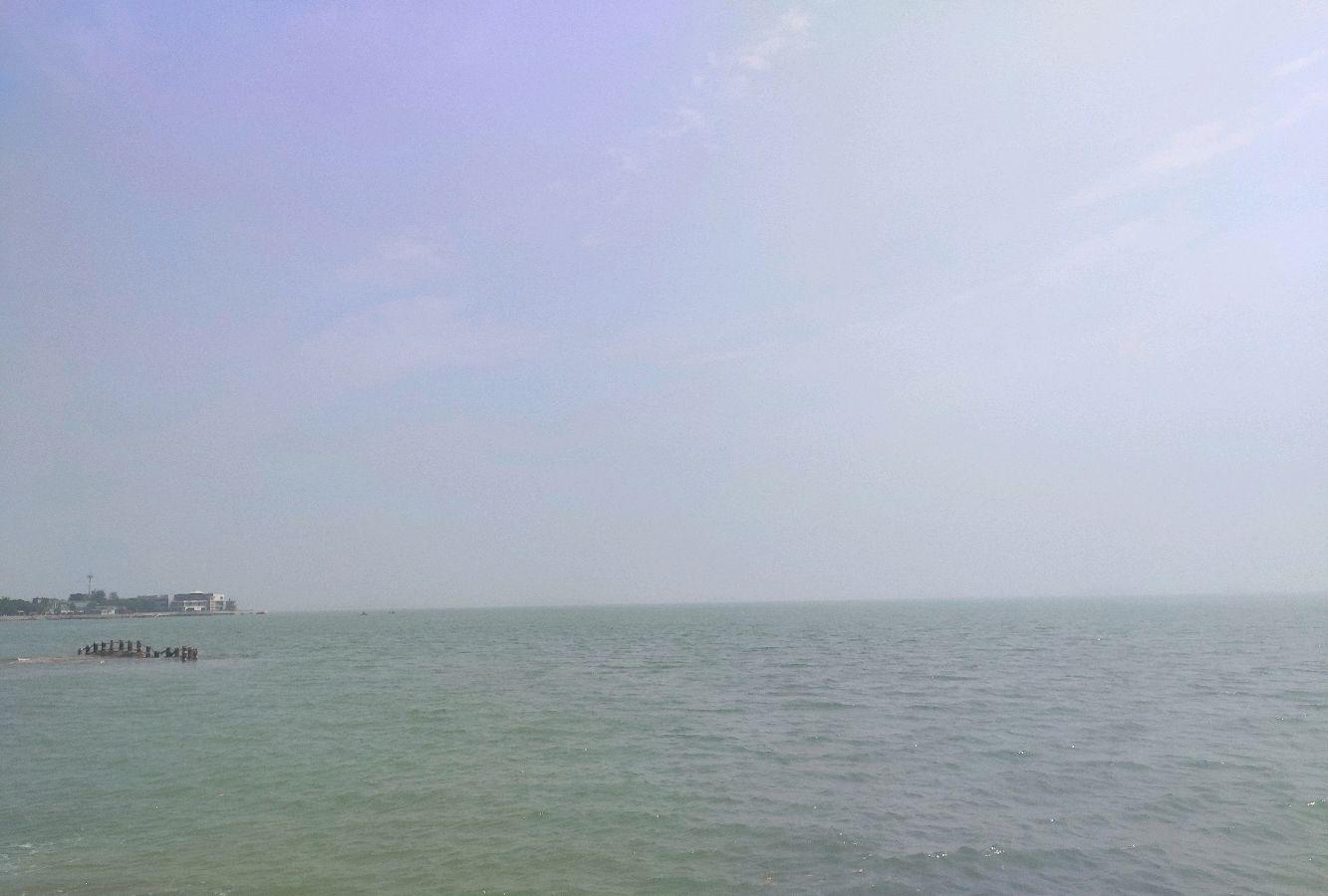 厦门市珍珠湾海边风光