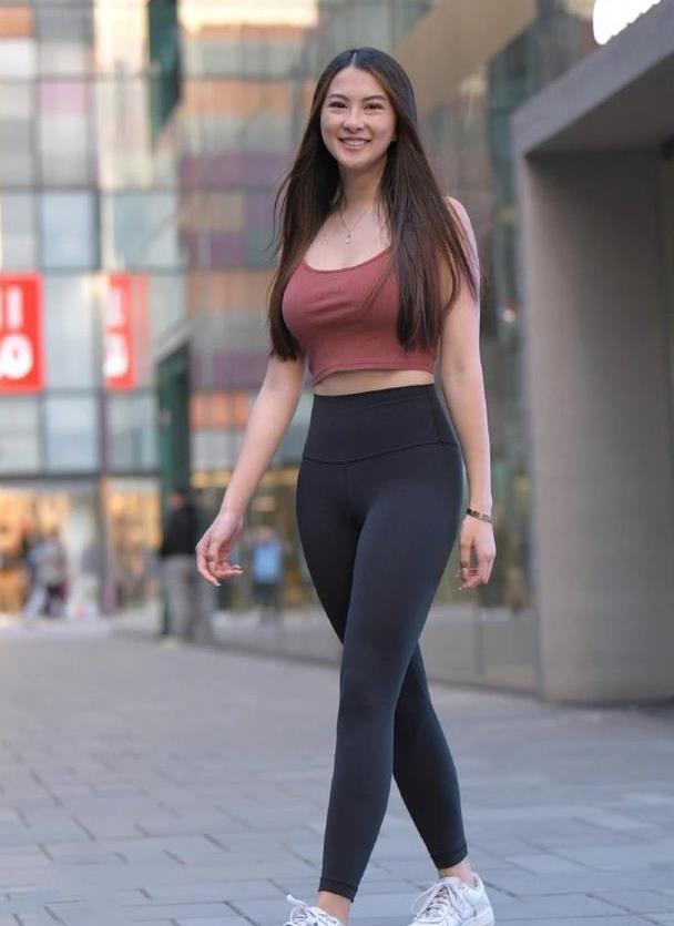 31岁阿姨的瑜伽裤,尽显时尚大方,一点不输年轻人