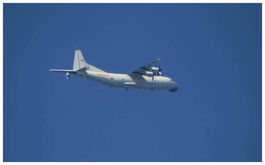 """台防务部门:昨晚解放军一架运-8反潜机进入台湾""""西南空域"""""""
