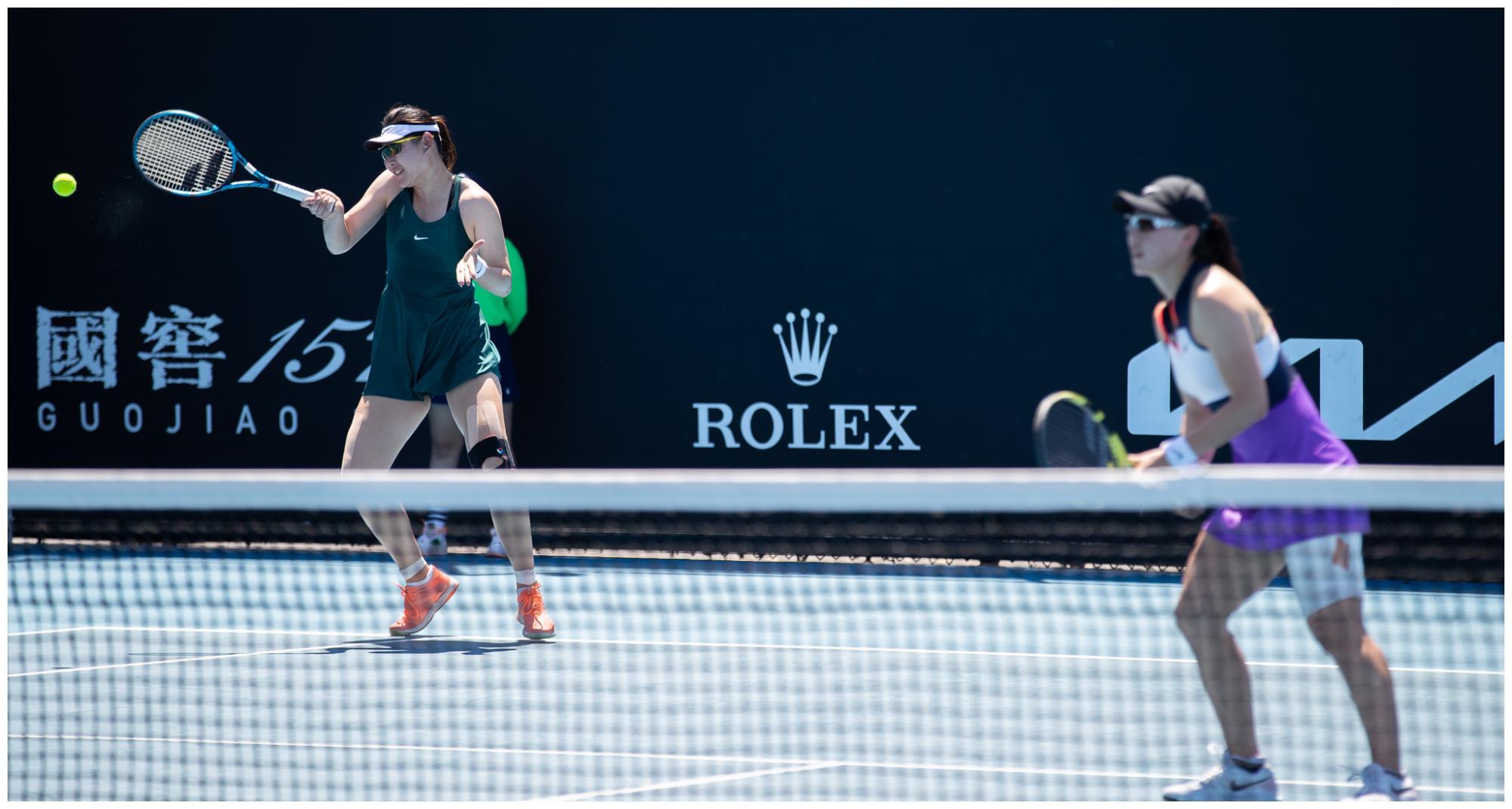网球——澳网:郑赛赛/段莹莹止步女双首轮