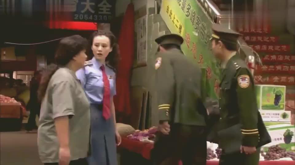 养女:警察说老梅卖鳝鱼吃死了人,老梅十分很纳闷,他没卖过鳝鱼