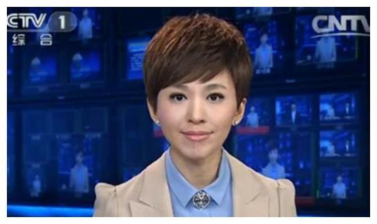 她是央视新闻主持,父亲离世成一生最大的痛,今43岁仍未婚!