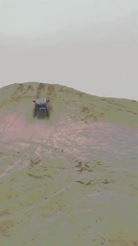 视频:国产神车哈弗H9就是厉害!车身这么重,就这么直接开了上去