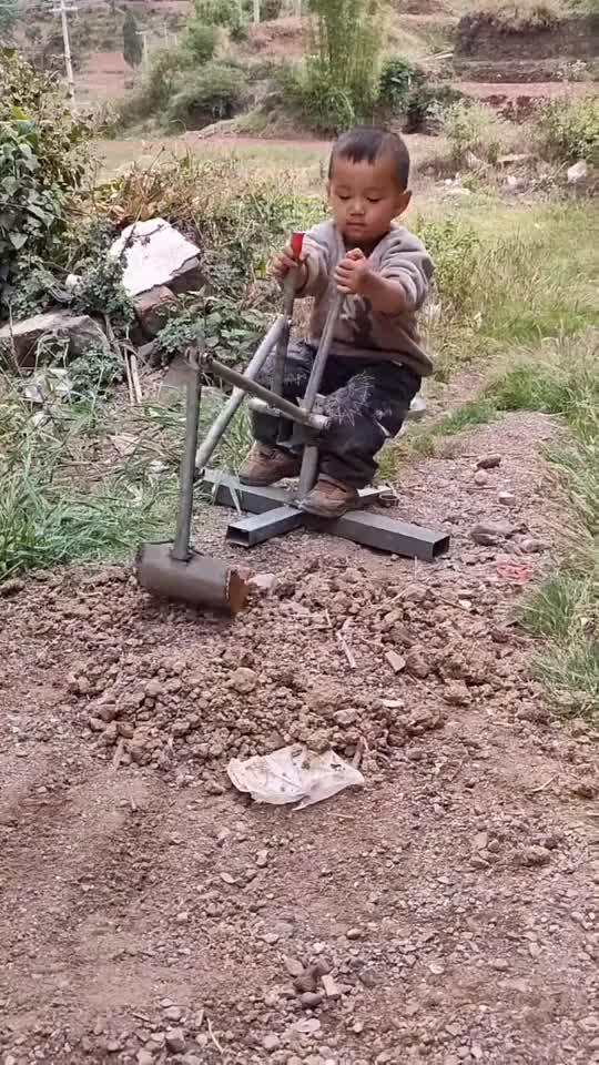 要说挖掘机技术一定是山东第一因为他们都是从小培养的