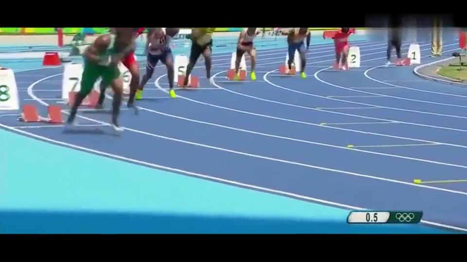 近距离观看博尔特两百米短跑,感觉轻松自如,快如闪电!