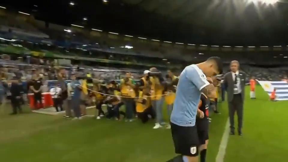 美洲杯,乌拉圭4-0厄瓜多尔,卡瓦尼苏亚雷斯破门