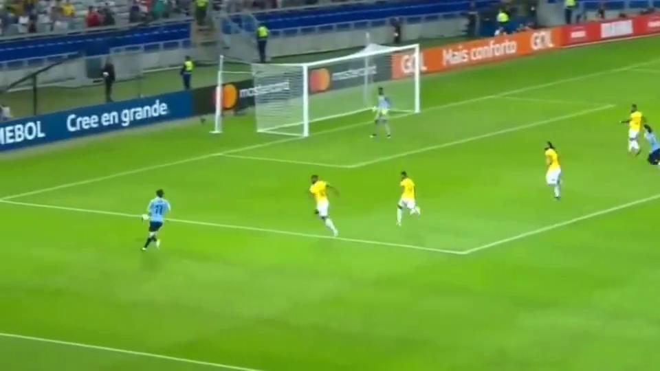 美洲杯卡瓦尼又现风骚倒勾苏神传射乌拉圭4-0十人厄瓜多尔