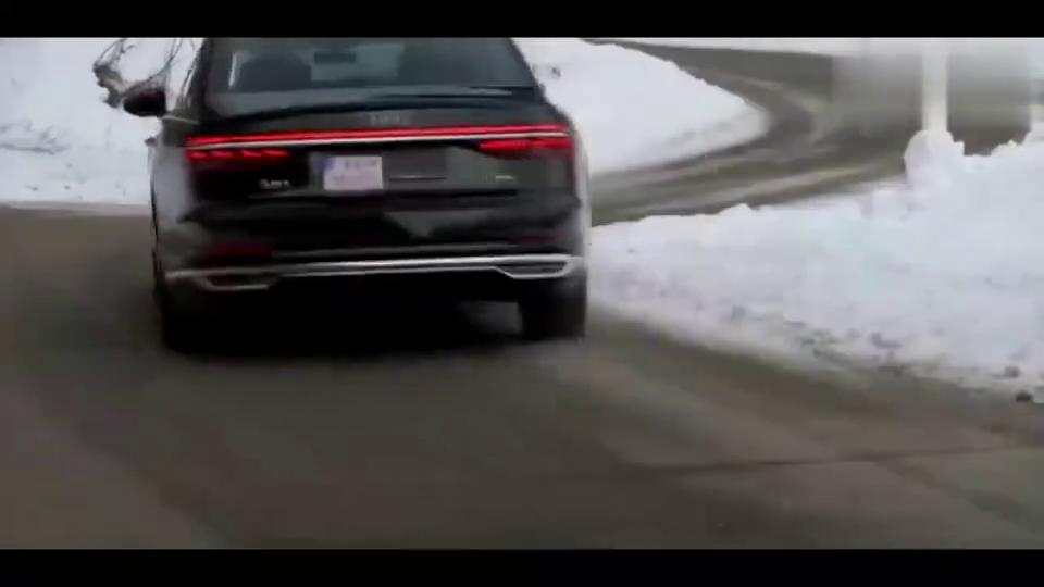 视频:价值130万的奥迪A8L为啥这么贵,转弯时急打一把方向就懂了