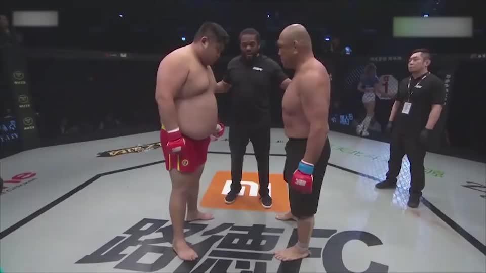 """""""功夫熊猫""""进攻,敖日格勒暴打日本拳王,按倒在地重拳猛砸!"""