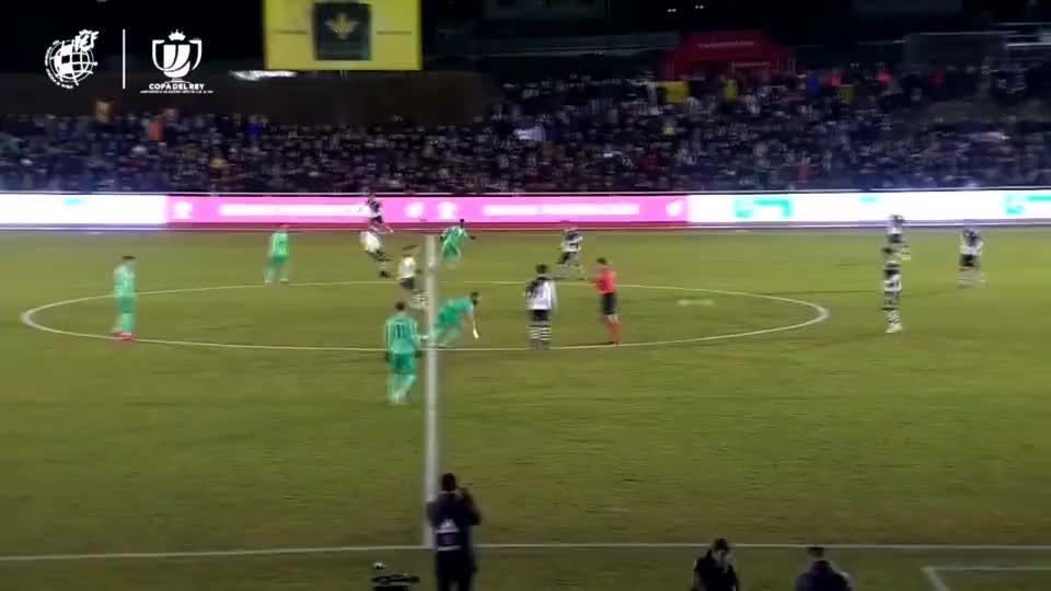 贝尔进乌龙不高兴 迪亚兹替补两球一柱未来可期 皇马3-1尤尼恩斯