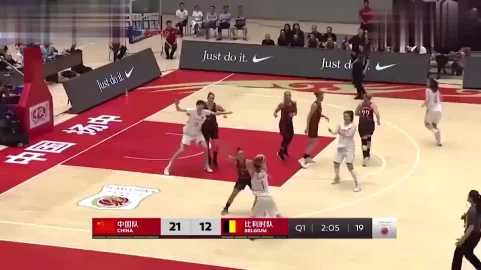 中国女篮:双子星王雪朦、李梦合砍31分,女篮19分大胜比利时