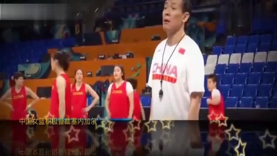 中国女篮:李梦精确命中3分,赢下教练许利民300块钱, 太可爱了