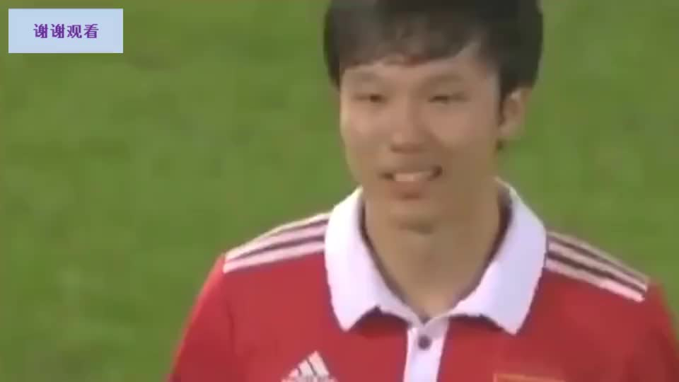 中国足球最可惜天才!邓卓翔要求延迟换人有多经典任意球斩杀法国
