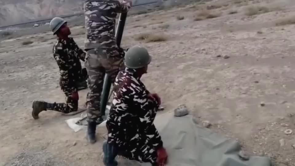 实拍印度士兵迫击炮实弹训练,网友:没有仪式感了!