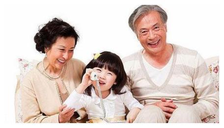 """这4种爷爷奶奶姥爷姥姥的""""伤害式""""育儿习惯,你家中了吗?"""