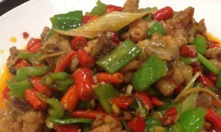 精选美食:干烧青椒鸡,黑椒牛柳,锅包肉,花菇炒肉片的做法