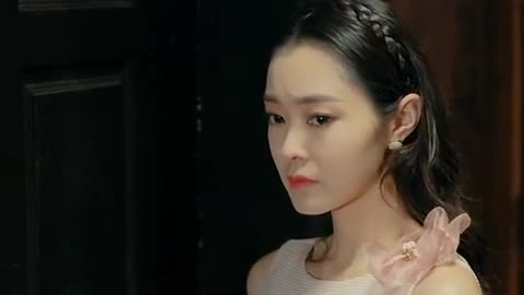 晗芝为美凤放弃晋级资格,却意外发现她的心机真面目