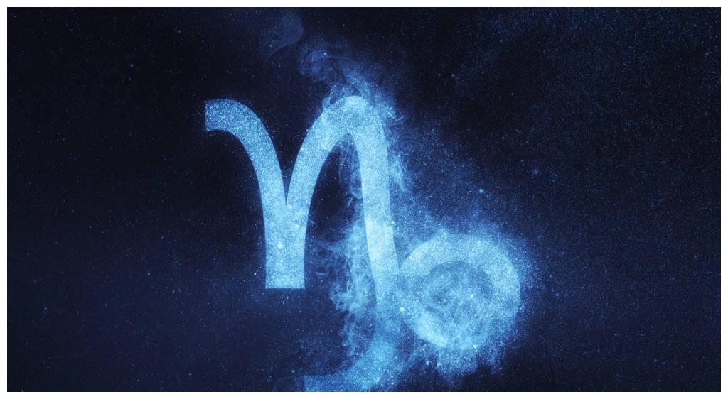 别看摩羯座在12星座中地位高,碰到爱情,居然是个怂包