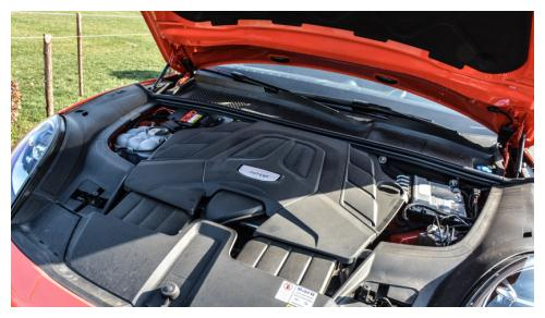 保时捷这次很含蓄:试驾Cayenne Coupe 3.0T
