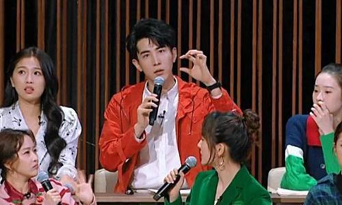 虞书欣和张艺凡微博互相关注,谁留意关注时间?感情深不深很明显