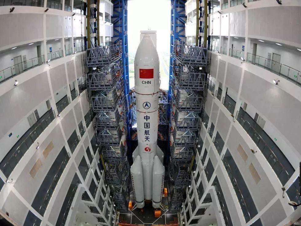 胖五火箭运载能力25吨,改造成导弹能装几枚核弹?东风41表示服了