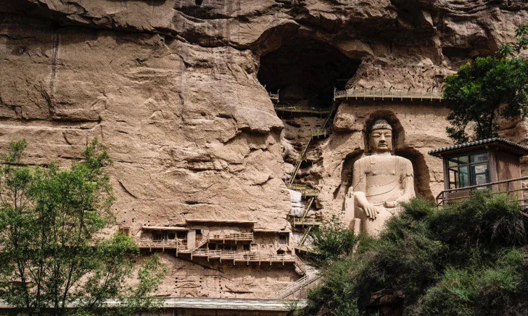 与莫高窟并称六大石窟之一,从西秦到明朝不断扩建,藏在甘肃临夏