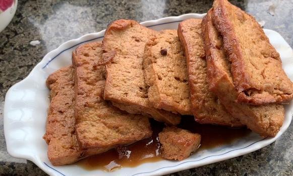 卤水豆腐的家庭做法,一口咬下去满满的汤汁,比吃肉还要香