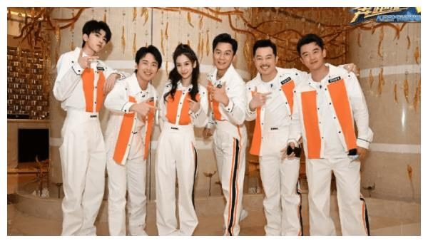 《奔跑吧》还在热播,杨颖又官宣新综艺,搭档90后小鲜肉