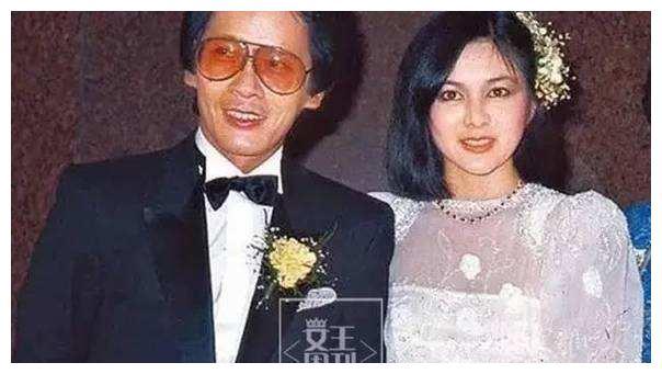 关之琳几度嫁豪门均失败,而刘銮雄伤她最深,近日模样皱纹颇深!