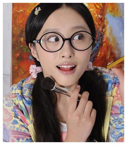 李欣汝近况,在《丑女无敌》中她故意扮丑,其实她真的是美女无敌