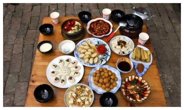 大理美食之——弥渡县丨500多年传承14道工序只做一道卷蹄