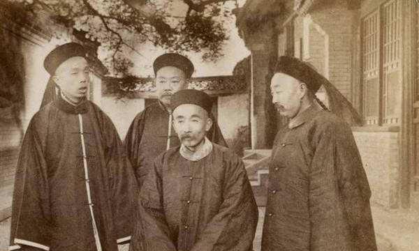 清朝的大学士和军机大臣,其职权有多大,是宰相吗