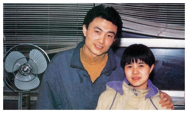 刘纯燕连续31年回婆家过年,婚后十年才生娃,不刷碗会被王宁批评