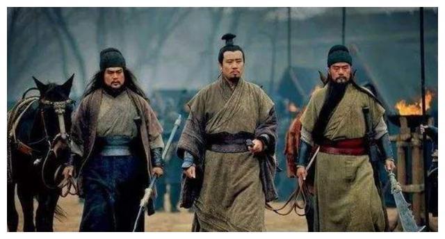 把张飞演成李逵樊哙、将曹丕演成胡亥,康凯和于滨已6年无戏可拍