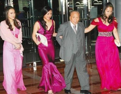 香港顶级富婆圈聚会,却把郭晶晶排挤在外?原因很现实