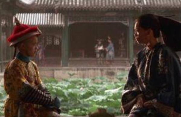 """末代皇帝溥仪的乳母要做两件事:一是喂奶,第二件事""""毫无人性"""""""