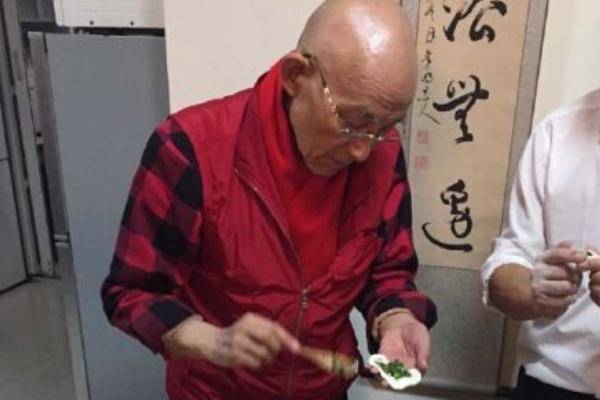 85版济公主演游本昌老师,13岁前拜师佛门,参演济公让他顿悟天命