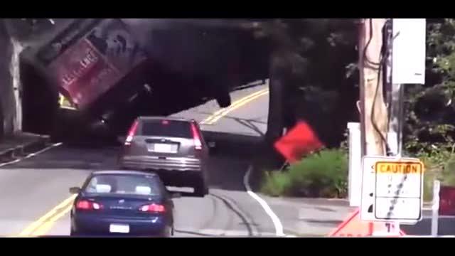 重型卡车的恐怖车祸 无法想像