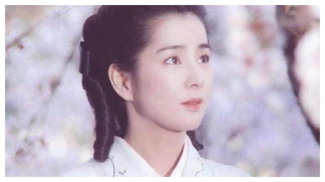 惊艳世人的吉永小百合老去时,也从容优雅,真不愧是国宝级演员
